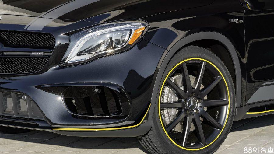 小改款GLA45擁有全新造型前保桿,Yellow Night Edition套件再增加保桿下方的定風翼,而20吋消光黑鋁圈亦施以亮黃色妝點,與其車身尺寸相襯之餘,更是十分搶眼。