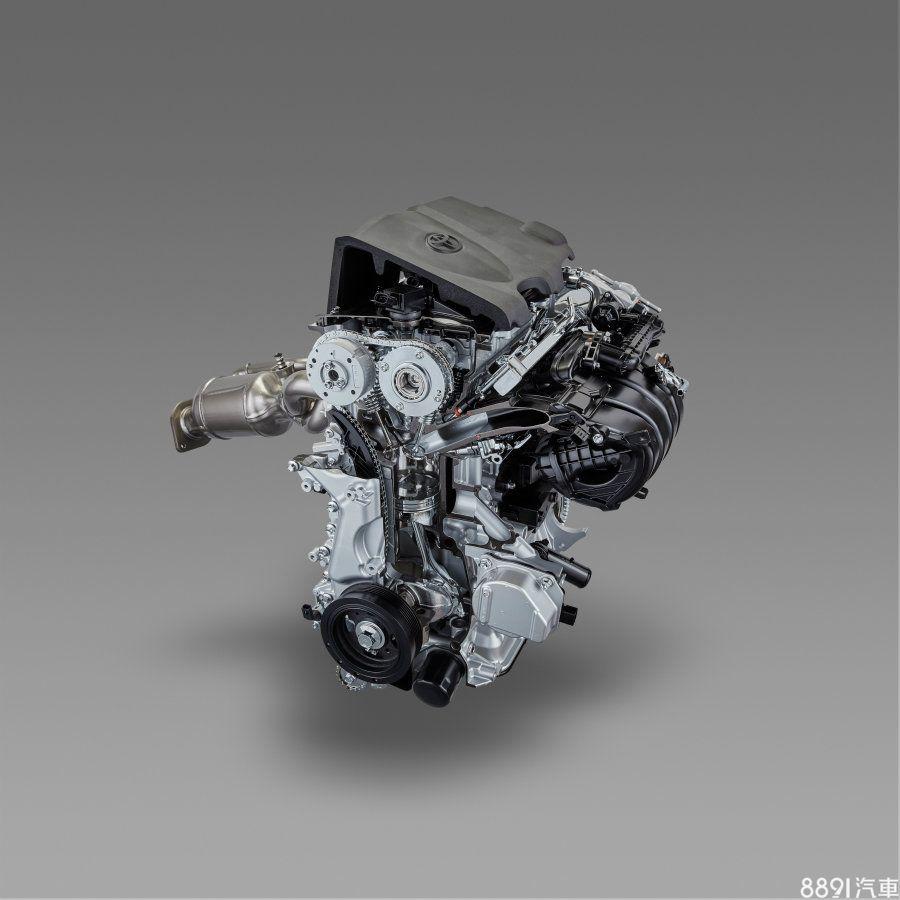 此具由原廠新研發的2.5升直四自然進氣引擎,及其衍伸出的Hybrid版本,首度搭載於大改款Camry上,前者最大輸出有205hp/25.5kgm,搭配8速自排變速箱,但Camry實際擁有多少輸出則仍需等原廠公布;後者的綜效出力亦未釋出,配置的則是CVT無段變速箱。