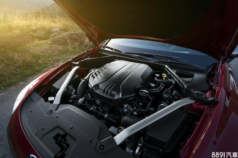 GT版車型搭載的3.3升V6雙渦輪增壓汽油引擎,擁有最大輸出365hp/ 52kgm,0~100km/h可於5.1秒完成,極速則有267km/h之表現。